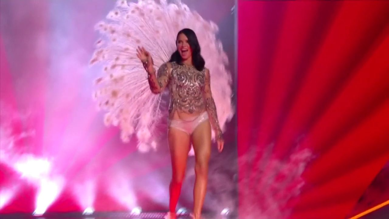 Victoria S Secret Fashion Show Airs At 10 P M Sunday On