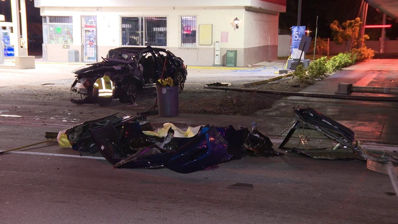 At Least 1 Dead After 3 Vehicle Crash In Miami Gardens