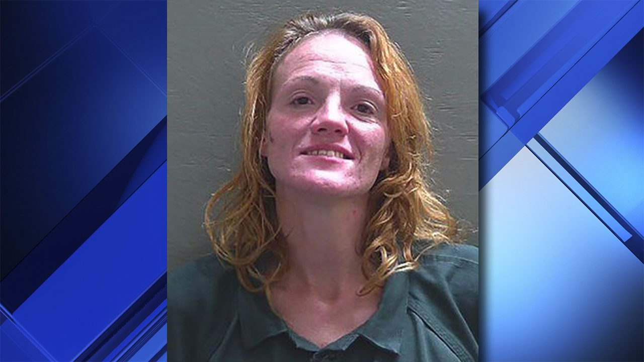 Florida woman accused of dancing naked in Waffle House