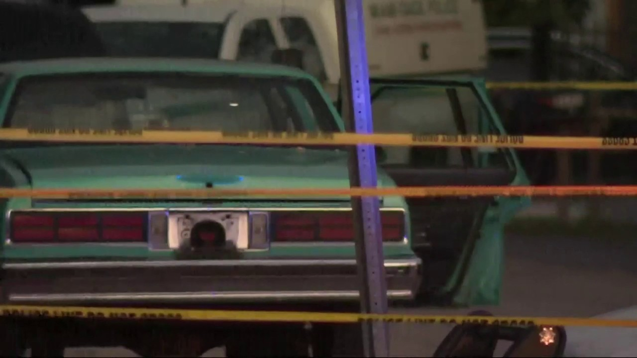 Man found dead in trunk of car in northwest Miami-Dade, police