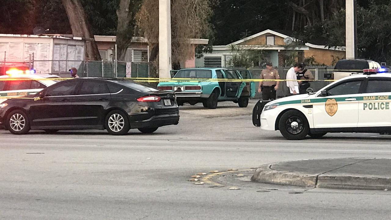 Man found dead in trunk of car in northwest Miami-Dade, police