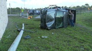 Pickup truck takes plunge off Dolphin Expressway