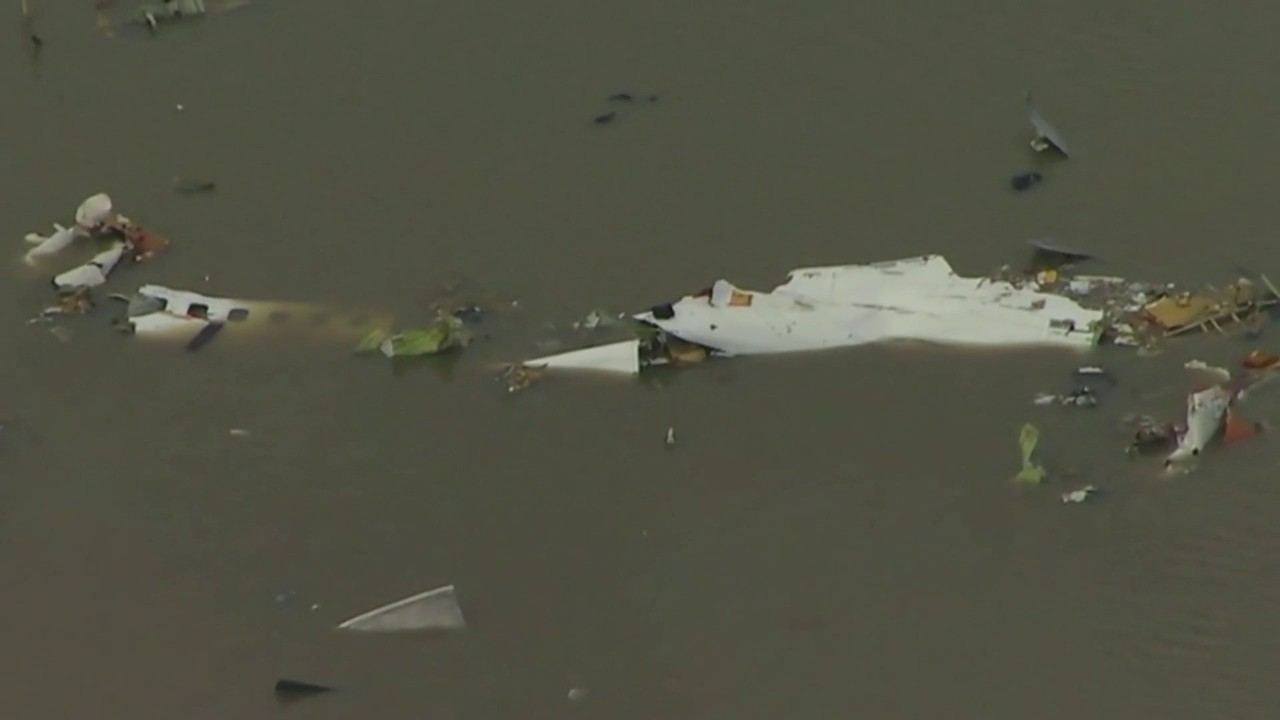 3 dead after cargo plane from Miami crashes outside Houston