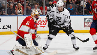 Panthers score 3 goals in 2nd period, top Kings 6-1