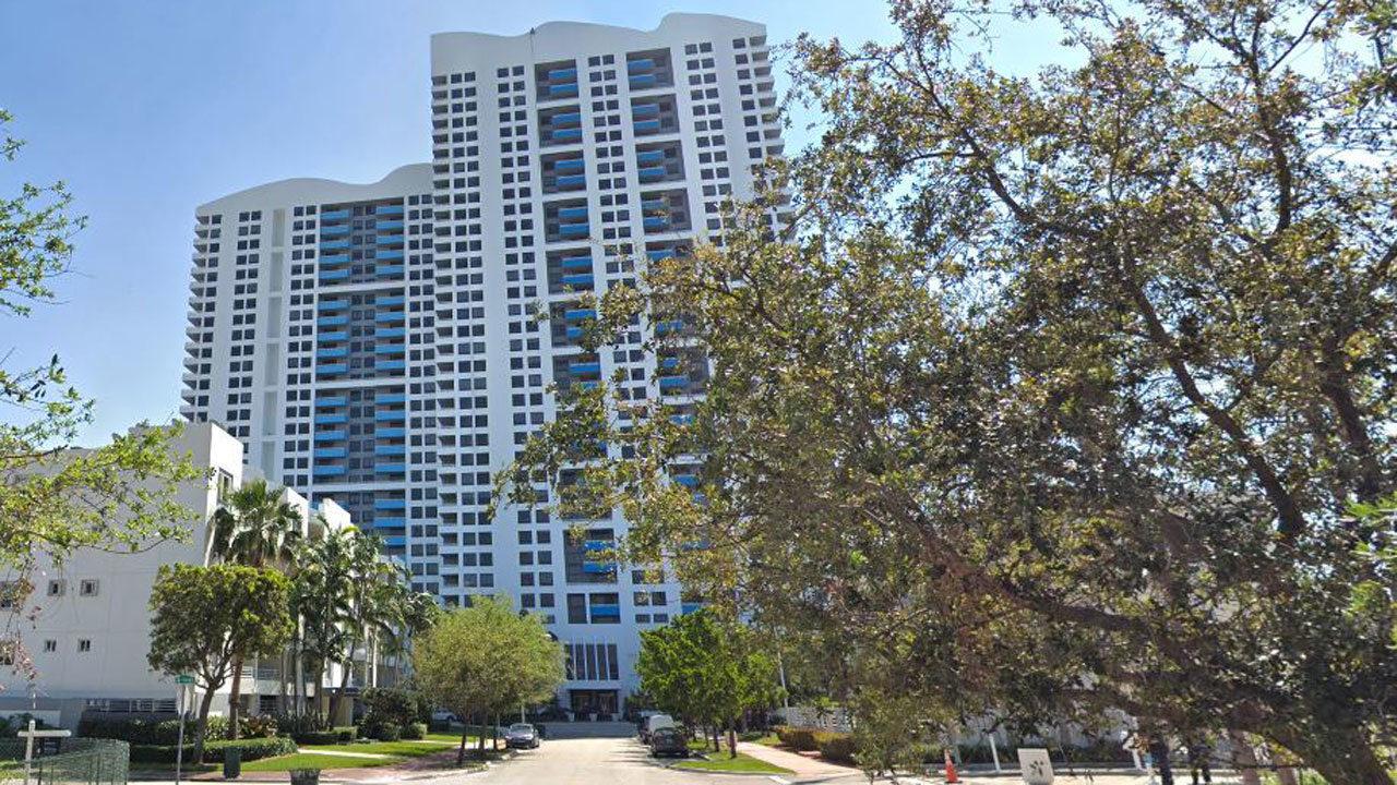 Man falls to his death at 35-story condominium in Miami Beach