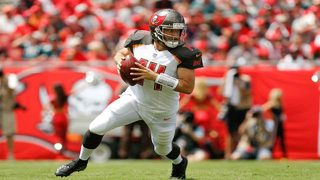 Dolphins officially sign QB Ryan Fitzpatrick