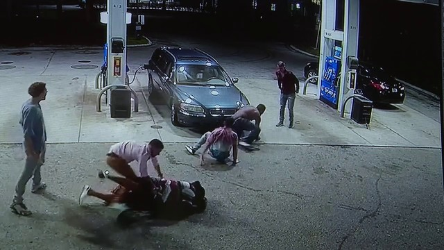 Visitors tackle gunman in bungled robbery at Oakland Park gas station