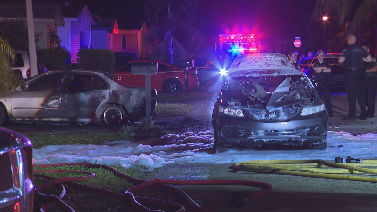 2 cars catch fire at davie mobile home park - Independence rv winter garden florida ...