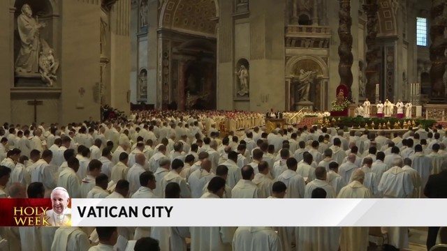 Pope Francis marks Holy Thursday with Chrism Mass