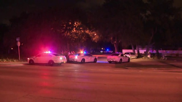 At least 1 wounded in shooting near northwest Miami-Dade gas station