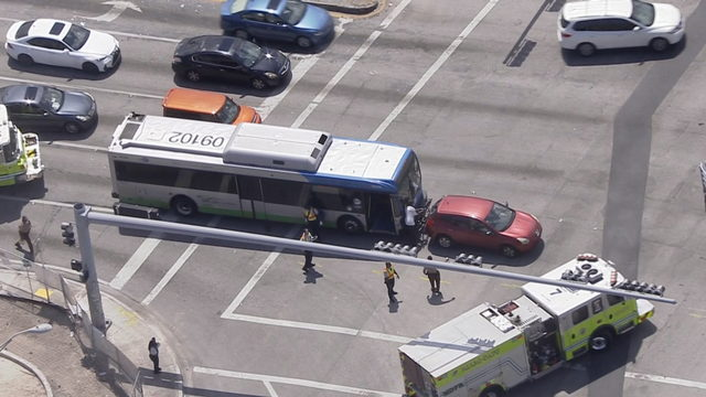 Multiple people injured after bus collides with SUV in northwest Miami-Dade