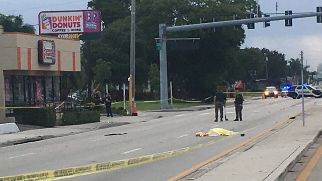 Pedestrian dead after being hit by 2 vehicles in Oakland Park