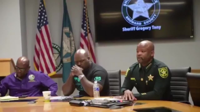 Broward sheriff meets with black leaders about rough arrest