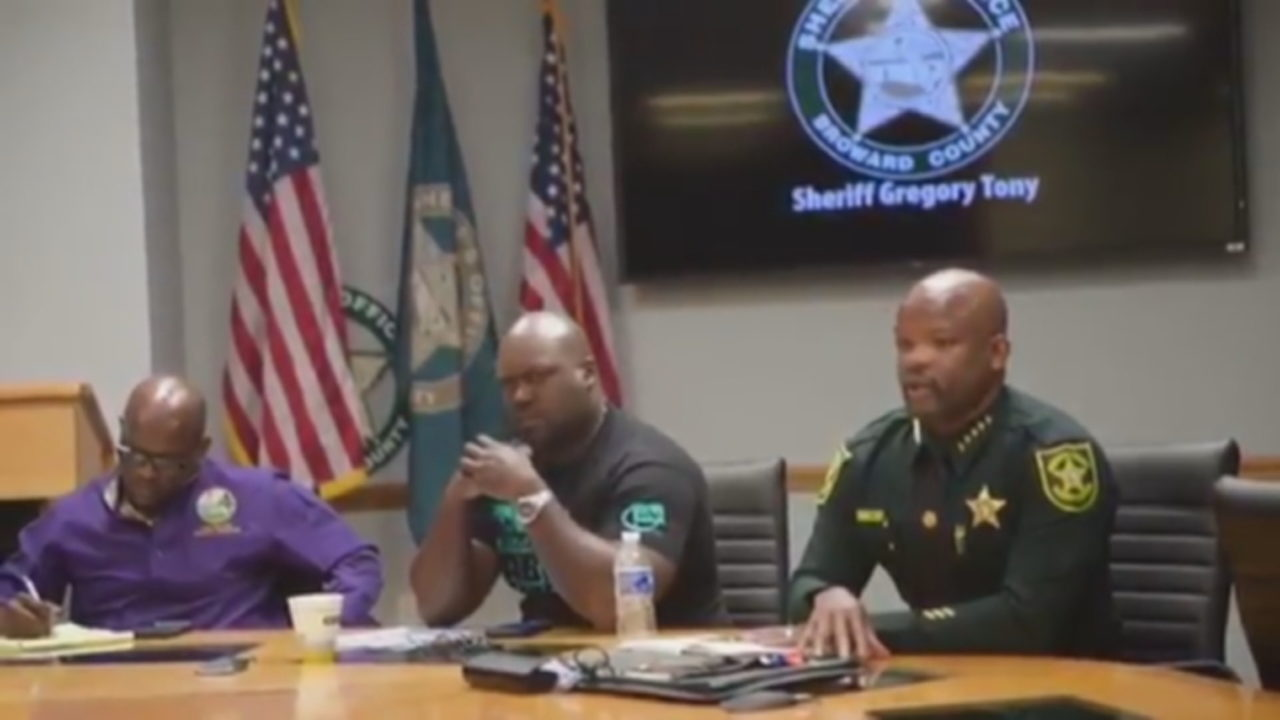 Broward sheriff meets with black leaders as outcry grows over rough arrest
