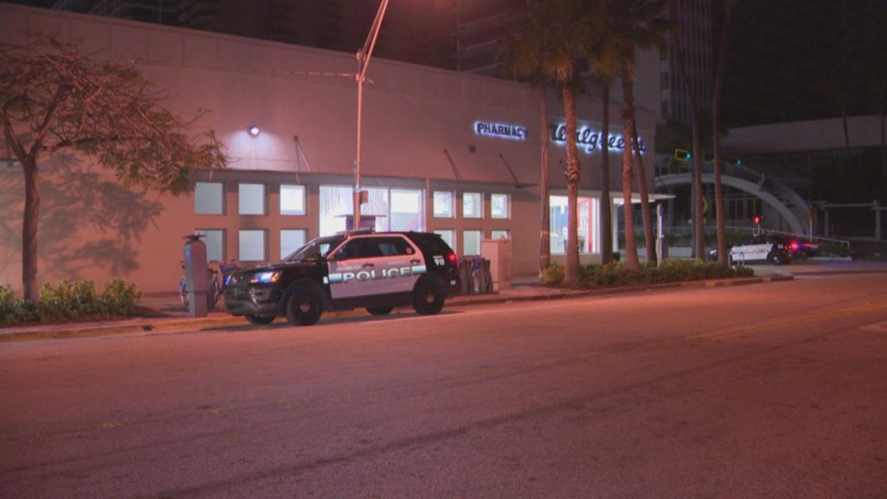 Man, woman carjacked outside Walgreens in Miami Beach