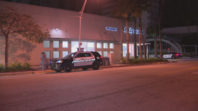 Man, woman carjacked outside Walgreens in Miami Beach
