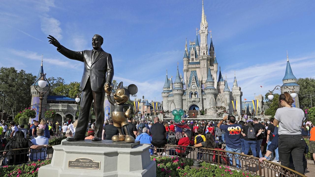 Disney Bans Smoking At All Theme Parks