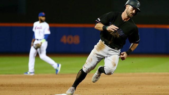Marlins, Mets to play 3-game series in Puerto Rico next season