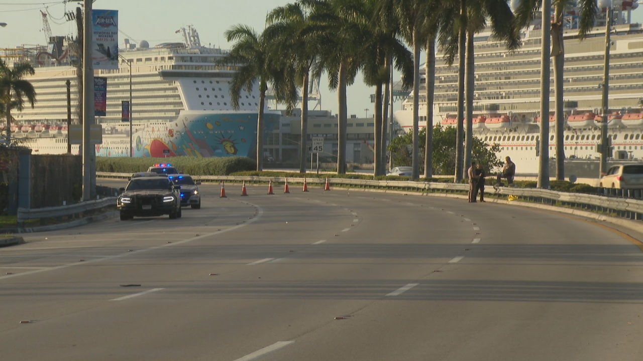 1 dead after motorcycle crash along MacArthur Causeway
