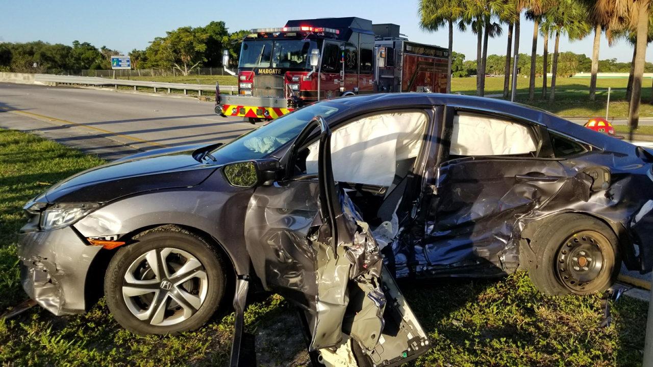 3 people injured in car crash in Coconut Creek