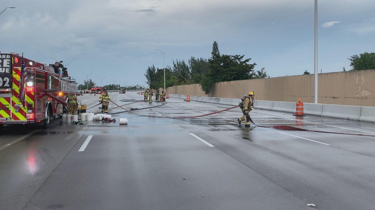 Rollover crash causes 'extensive' fuel leak on I-95