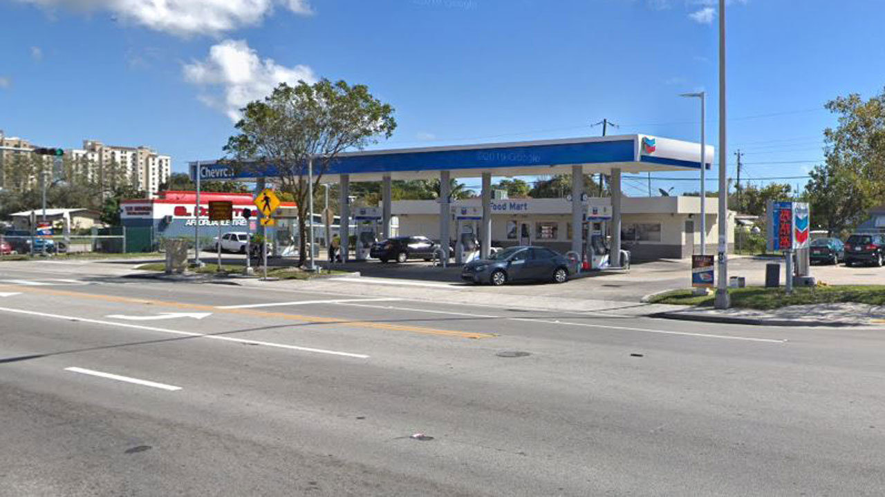 Gas station shooting leaves 2 wounded in Brownsville