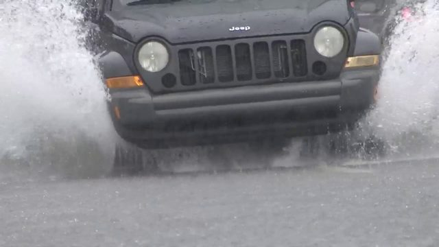Rainy weather causes flooding issues throughout Miami Beach