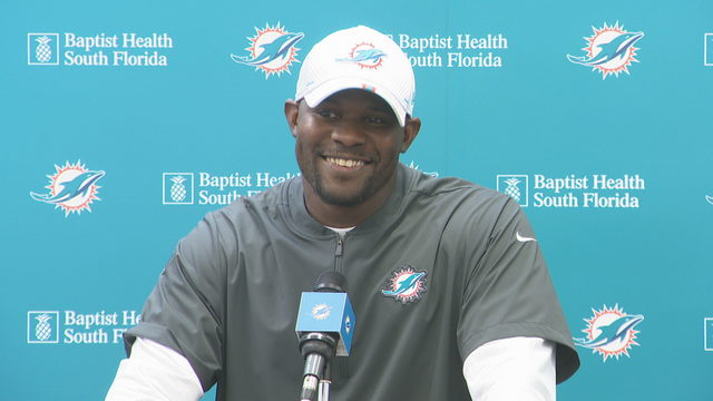 Flores not eager to share Dolphins' injury information