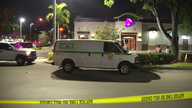 Man stabbed at Taco Bell