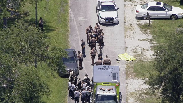 Man shot to death near Golden Glades Interchange