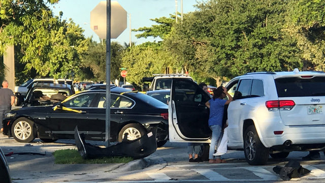 Police chase ends in multicar crash in Hialeah