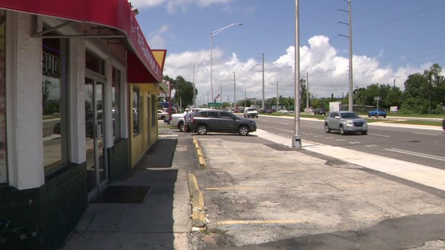 Owner fears Hollywood pizza parlor will close over parking issue