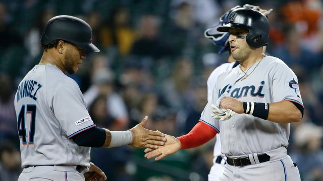 Marlins rally for 5th straight win