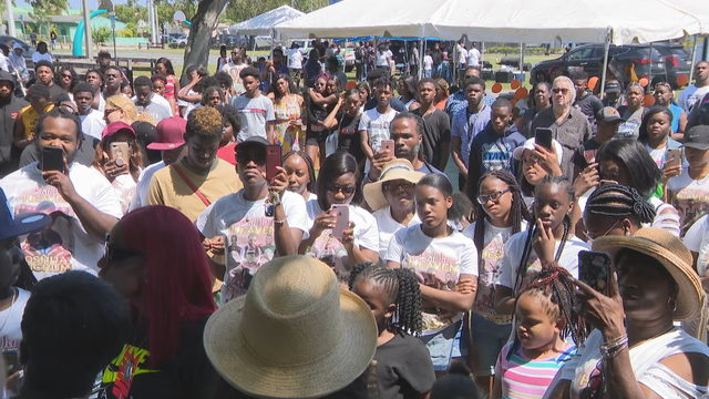 Family, friends gather to remember slain football player in Miami Gardens