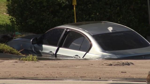 Car slams into fire hydrant in Deerfield Beach