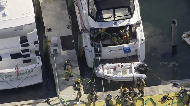 Yacht docked at Bayside Marketplace catches fire