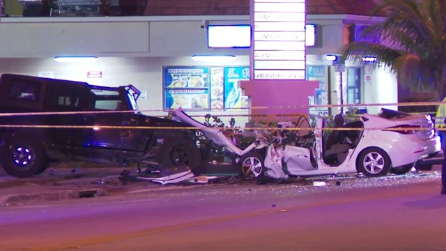 1 dead, several hurt after crash in Hialeah
