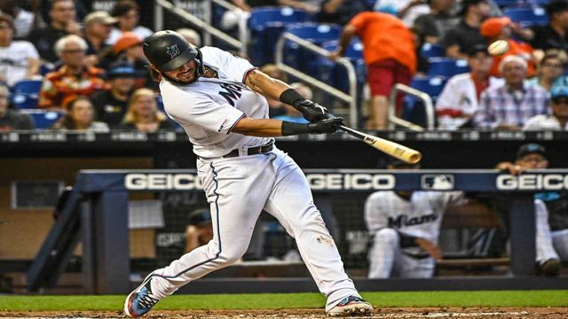Alfaro has career-high 4 hits as Marlins beat Giants 4-2