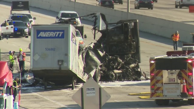 Mangled mess leaves I-95 closed in Boynton Beach after fatal collision
