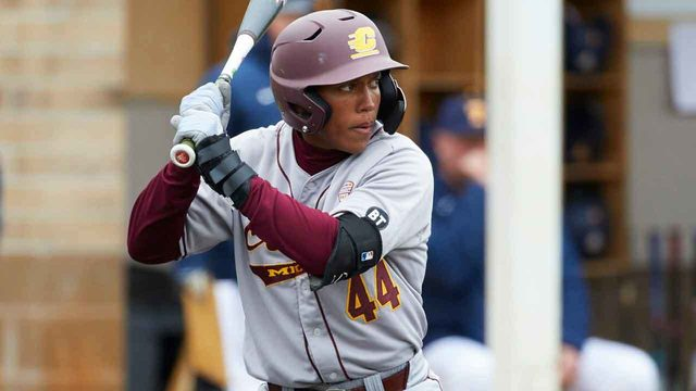Central Michigan rallies late to beat Hurricanes 6-5