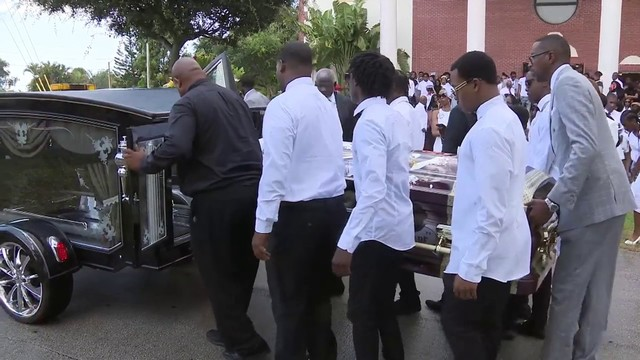 Funeral held for aspiring football player shot, killed