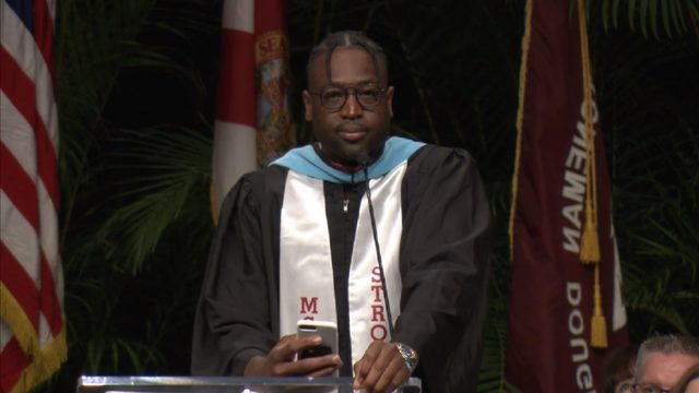 Dwyane Wade surprises students at Stoneman Douglas graduation ceremony