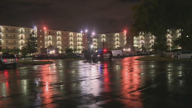 Man shot to death at Miramar apartment complex