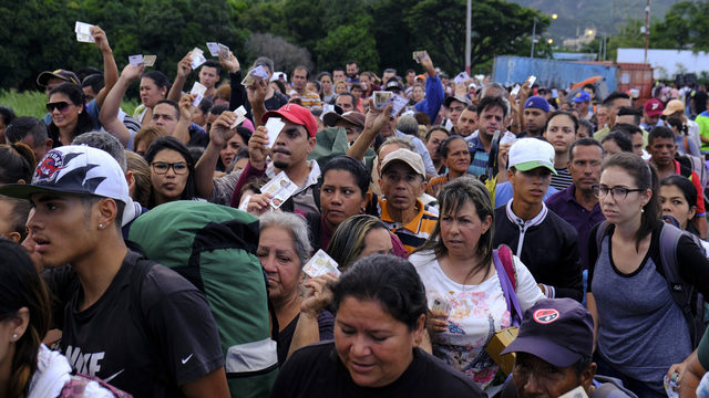Venezuela reopens border crossing with Colombia