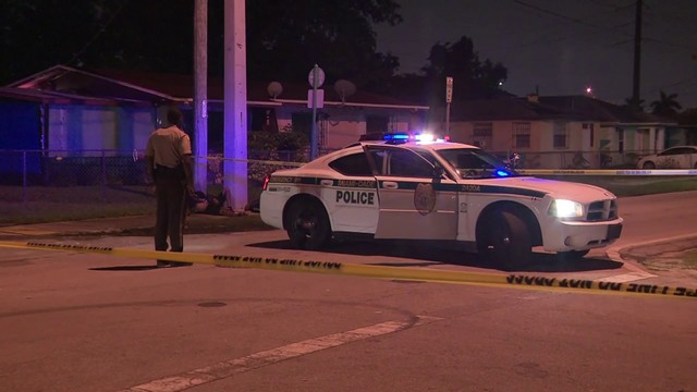 Man in critical condition after being shot in back in northwest Miami-Dade
