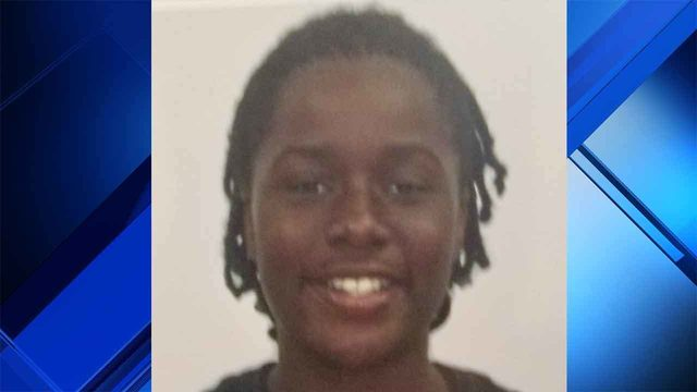 Police in Hollywood search for missing 12-year-old girl