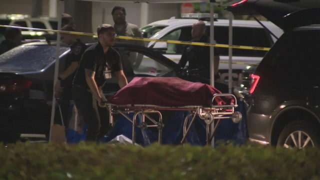 Woman's body found in parking lot of Pembroke Pines shopping plaza