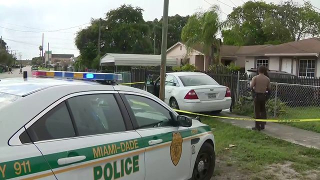 Police pursuit ends in Miami-Dade arrest of driver in Ford with Texas tag