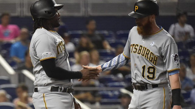 Marlins lose 2-run lead, fall to Pirates 5-4