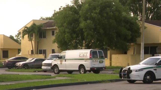 Man shot during robbery in southwest Miami-Dade